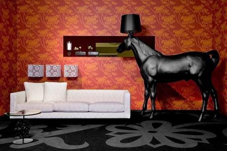 mot-casa-moooi-horse-lamp-%e9%bb%91%e9%a6%ac%e7%ab%8b%e7%87%88-2